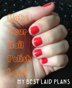 How to Make Your Nail Polish Last -- super easy trick! Soak nails in vinager and then paint your nails and use base coat