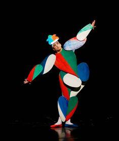 "Jumping Jack, dancer: Nicholas Losada, ""The Triadic Ballet"" by Gerhard Bohner, Bavarian State Ballet II, © Charles Tandy 2014"