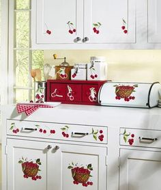 The cupboard work is cute! wonder if i can do this with paints... Cherry Kitchen Decor, Kitchen Themes, Red Kitchen, Vintage Kitchen, Country Kitchen, Cherry Farm, Cherry Hill, Cherry Cherry, Cherry Tree