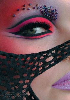 Tena Bašić Makeup Artist | Fantasy and Avant garde Makeup #mua #beauty