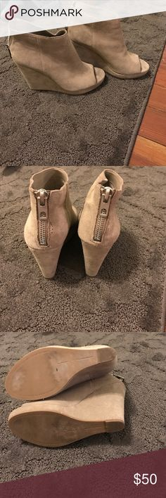 Dolce Vita ankle open toe suede boots !! Dolce Vita ankle open toe suede boots !! Good for summer spring fall and winter Dolce Vita Shoes Ankle Boots & Booties