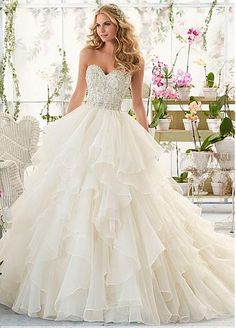 Fabulous Organza Sweetheart Neckline Ball Gown Wedding Dresses with Beadings & Rhinestones