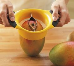 Mangos are sweet, juicy and delicious, but often a chore to prepare. Not anymore, with the OXO Good Grips Mango Splitter.