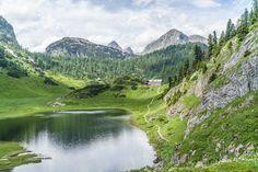 Idyllische Almwiesen, Hüttenromantik und phänomenale Panoramen. Die Große Reibn führt in vier Etappen rund um den Königsee im Nationalpark Berchtesgaden.