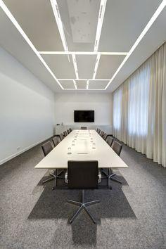 Noerr Office, Germany. Architect: De Winder  Architekten GbR (Berlin) - iGuzzini Product: Laser Blade - Photographed by Lothar Reichel #light #iGuzzini #design