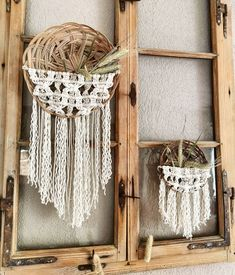 Wanddekoration: Körbe mit handgeküpftem Makramee Ladder Decor, Dream Catcher, Home Decor, Art, Wall Hanging Decor, Art Background, Dreamcatchers, Decoration Home, Room Decor