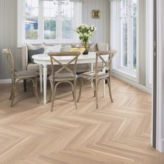 Boen Ash Baltic features in 2-layer parquet design treated with a couple of high-quality Boen finishes; Satin Lacquer finish and Natural Oil finish. The planks come with a 7cm width, and for further information about the ash, please visit the Boen website.