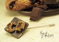 Chocolate Croissants Brooch by HugsKissesMINI on Etsy, €26.00