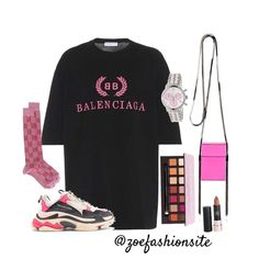 So this look was inspired by I'm loving the oversized t-shirt look paired with some tube socks and sneakers 💕 Cute Swag Outfits, Chill Outfits, Kpop Outfits, Dance Outfits, Stylish Outfits, Teen Fashion, Fashion Outfits, Womens Fashion, Disney Fashion