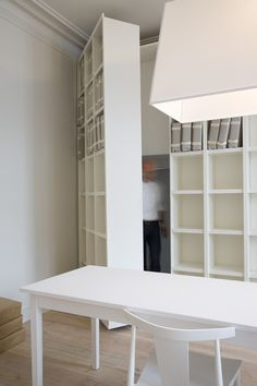 :: DETAILS :: Now this is door detail: a pivot hinge bookshelf door. Photo Credit: Interior Photography by Bieke Claessens Hidden Spaces, Hidden Rooms, Hidden Closet, Bookshelf Door, Door Shelves, Door Storage, Storage Room, Ceiling Shelves, Small Workspace