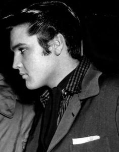 ♡♥Elvis - one look says it all - click on pic to see a larger pic♥♡