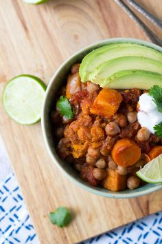 An easy and delicious 8-10 hour slow cooker chili packed with chickpeas and sweet potato, and flavored with chipotle and lime.  Ready when you walk in the door from work! FRIDAY! Yeeeeeeeah.  I&#8…