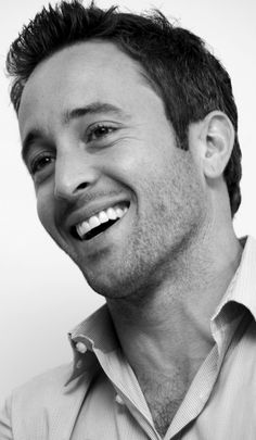 Alex O'Loughlin - such a perfect man!