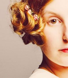 Lady Edith.. comb/barrette low in her hair.. flapper nouveau