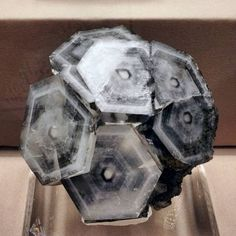 Hexagonal calcite crystal formations from the Fozichong mine, Guangxi Province, China. 2018 Tucson Mineral Show. Cool Rocks, Beautiful Rocks, Minerals And Gemstones, Rocks And Minerals, Vanitas, Calcite Crystal, Sculptures Céramiques, Crystal Magic, Crystal Cluster