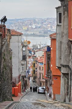 Balat, Istanbul Turkey http://666travel.com/top-10-tourist-attractions-in-istanbul-turkey/