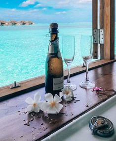 Best Honeymoon Destinations, Honeymoon Places, Romantic Honeymoon, Romantic Vacations, Romantic Travel, Dream Vacations, Vacation Spots, Travel Destinations, Italy Vacation