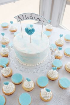 Cute banner cake topper {Photo by Michael & Carina Photography via Project Wedding}