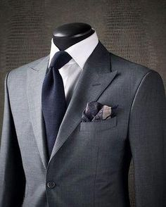 SIMPLE SOPHISTICATION Sometimes the best way to make a statement is to avoid overthinking your look. Sticking to a fantastic combination like this KING & BAY Slate Grey Sharkskin Suit paired with a crisp white shirt and midnight navy garza textured tie en Sharp Dressed Man, Well Dressed Men, Mens Fashion Suits, Mens Suits, Grey Suit Combinations, Sharkskin Suit, Grey Suit Men, Grey Suit White Shirt, Light Grey Suits