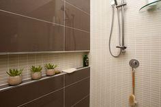 Metricon Tile Studio- shower recess idea