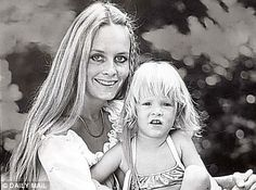 Twiggy and daughter Carly, 1973