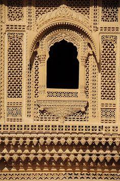 Detail of carvings at Amar Sagar Indian Temple Architecture, India Architecture, Space Architecture, Beautiful Architecture, Architecture Details, Mandir Design, Jain Temple, Buddha Sculpture, Buddha Painting
