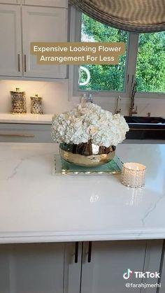 Table Flower Arrangements, Christmas Flower Arrangements, Flower Centerpieces, Flower Decorations, Table Decorations, Creation Deco, Diy Flowers, Home Decor Inspiration, Sweet Home