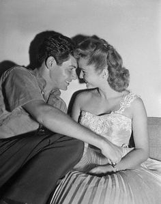 Debbie Reynolds & Eddie Fisher -- before Liz. Best Tv Couples, Movie Couples, Famous Couples, Celebrity Couples, Hollywood Icons, Hollywood Actor, Vintage Hollywood, Classic Hollywood, Tammy And The Bachelor