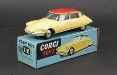 Mettoy Corgi diecast No.210 Citroen DS19
