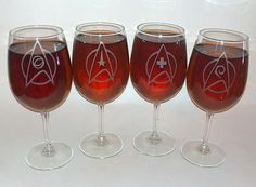 Star Trek wine glasses @Meenu Howland These are PERFECT for you guys!