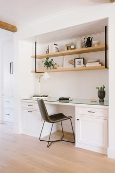 A good home office will make you feel comfortable and boost your creativity. Many home office ideas in recent years focus on both function and aesthetic. Small Apartment Kitchen, Kitchen Desks, Small Kitchen Storage, Compact Kitchen, Kitchen Shelves, Small Kitchen With Table, Folding Kitchen Table, Kitchen Office Nook, Small Kitchen Solutions