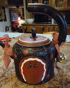 Tea Pot painted with pattern #5038 Pie Keep
