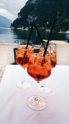 The Perfect Summer Aperol Spritz Aperol, Champagne, Disney Instagram, Alcohol Recipes, Aesthetic Food, Diy Food, Snapchat, Alcoholic Drinks, Beverages