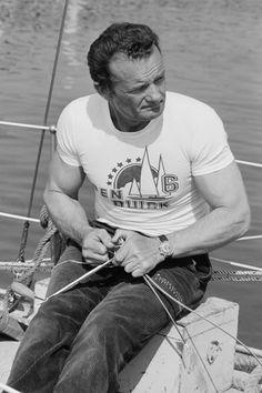 Eric Tabarly (1931-1998) ~ Navigateur français