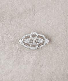 Pronovias costume jewelry 2016 - Aged silver and gemstone brooch  www.pronovias.com/bridal-accessories/costume-jewelry-b-5022