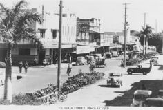 Victoria Street, 1940s, Mackay, Queensland / Mackay Regional Council Libraries Image No: 05504 mackay.qld.gov.au   thefashionarchives.org