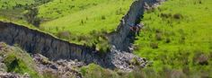 In November 2016, a massive 7.8-magnitude earthquake hit New Zealand, causing significant damage and between 80 000 - 100 000 landslides. Now, an international team of scientists says the quake was so complex and unusual that it is likely to change h...