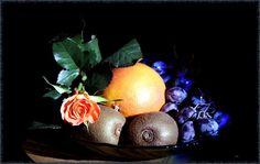 Dem Durstigen kommt es, als solchem, auf die Schale nicht an, sondern auf die Früchte, die man ihm darin bringt.  Heinrich von Kleist