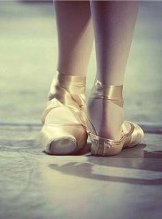 lordbyron44: Class.' ✯ Ballet beautie, sur les pointes ! ✯