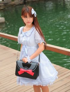 Too Cute! The Bow Tie Bag