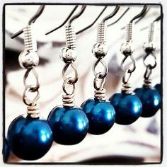 Dark Aqua Blue Pearl Earrings . Wedding Jewelry . Bridesmaids Jewelry . MerelaniDesigns on Etsy
