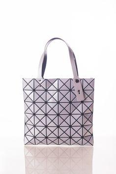 d2d13fc6bbd7 54 Best Wholesale Handbags images