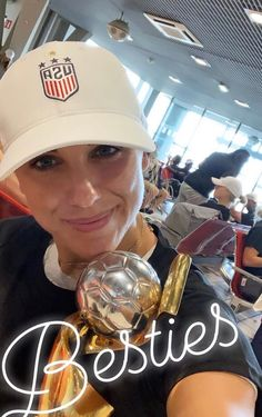 Alex Morgan USWNT, with her new best friend Usa Soccer Team, Female Soccer Players, Team Usa, Nike Soccer, Soccer Cleats, Morgan Usa, Athlete Quotes, Alex Morgan Soccer, Cristiano Ronaldo Lionel Messi