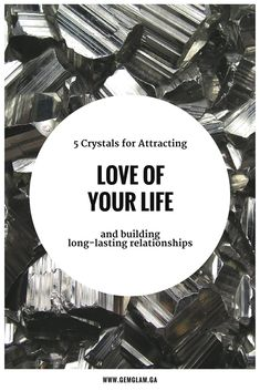 5 crystals that help you to find true love crystals for love // crystals for attracting love // attract love // attract soulmates // crystal healing // healing crystal // feng shui // how to be more attractive//attractiveness tips//crystals for relationships