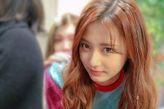 "Twice-Tzuyu ""Merry Happy"" MV Behind"