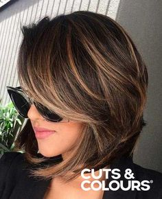 Subtiele kleuring   Halflang haar   Brunette   CUTS & COLOURS