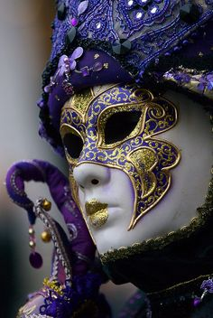 purple & gold - Carnival - mascara veneciana.-