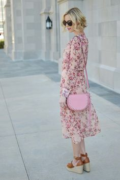 My pink bag lends such a fun, girly vibe to my floral blush midi dress. You know my love for anything floral and midi length. Just add espadrille wedges! Stylist Pick, Studded Purse, Pink Outfits, Floral Midi Dress, Pink Fashion, Casual Chic, Blush Pink, Rebecca Minkoff, Amy