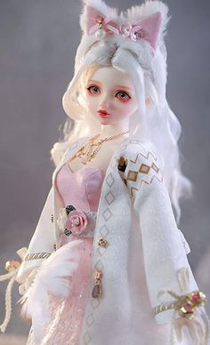 This is quite the fun bjd doll with the nice silver hair. I hope you find this dolly amusing. Function: Stands about 41.8 cm (16.4 inches), we have designed for her to wear nice clothes. Clothing quality meets standards of human clothing. High Quality Wig: Her hair is soft and shining, quality well-detailed hair job. Course content: 1 BJD doll + 1 set of clothes + 1 wig + 1 pair of shoes + makeup face + Accessories. #bjd #bjddoll #doll #silverhair #dress #dresses #makeup #gift #gifts #toys…