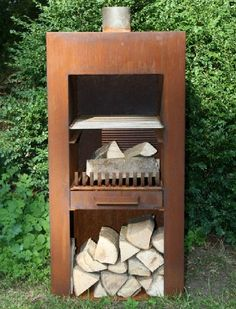 Corten Steel Standing Outdoor Fireplace With Wood Store by Adezz Fire Pit Pizza, Fire Pit Bbq, Fire Pits, Best Home Interior Design, Interior Exterior, Barbacoa, Outdoor Wood Burner, Tabletop Patio Heater, Don Meme